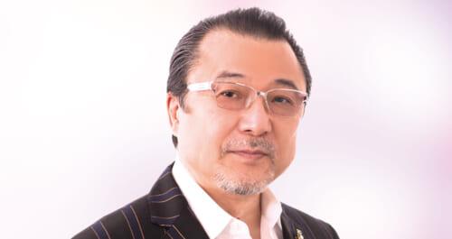 佳山明生、ギターが光る「霧笛が泣いて…横浜」