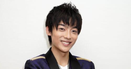 辰巳ゆうと「センチメンタル・ハート/男のしぐれ」新装盤がオリコン演歌・歌謡ランキング1位獲得!