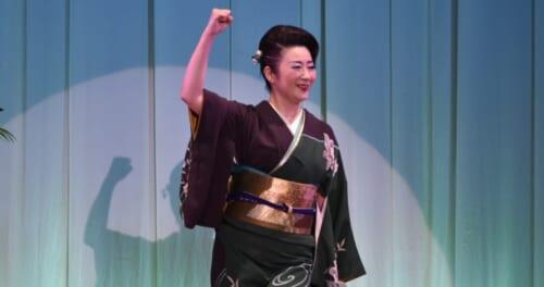 入山アキ子「感謝のつどい2020」で感涙……そして笑顔で再会を誓う