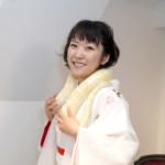 森山愛子、手応え抜群の新曲「伊吹おろし」発表会で大蛇と華麗な競演。「かわいい! お父さんの首みたい」