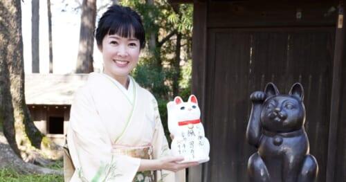 新曲「楓」がヒット中の田川寿美が豪徳寺へお礼参り。浅草ヨーロー堂で初めての生配信キャンペーンも