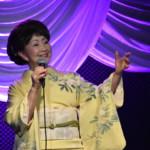 古都清乃が歌手生活55周年記念配信ライブで新曲「笑顔の花」を披露