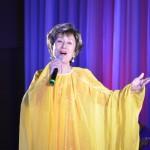 歌手生活55周年の扇ひろ子がディナーショー。待ちわびたファンに「55年のすべてを」