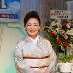 松前ひろ子が生配信で新曲「春隣り」発表会。「パパがきっと観てくれている」