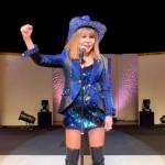 がんを公表した葛城ユキが闘病への強い決意。「私は歌うために生まれてきた。必ず、ステージに復帰します」