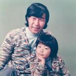 黒木じゅんが30周年記念シングル「離れても」をリリース。父・黒木憲の遺志を引き継ぎ、「今後もムード歌謡一筋」と宣言