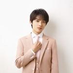 辰巳ゆうとの「誘われてエデン/望郷」新装盤が好調。オリコン週間演歌・歌謡シングルランキングで1位を獲得