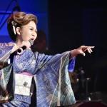 西川ひとみが「歌仲間とおもてなし‼︎2021」コンサートを開催。憧れの岡千秋氏と夢のデュエット