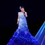 水森かおりが大阪・新歌舞伎座での座長公演で千穐楽。観客に「頑張る力をありがとうございました」