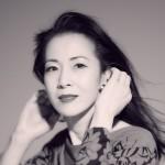 坂本冬美が情念のポップスを歌う。デビュー35周年を記念したコンセプトアルバム『Love Emotion』の詳細