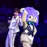 新浜レオンがサンリオピューロランドで特別コンサート。「れおすけ」&「シナモロール」と一緒にダンスで笑顔を!