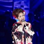 西川ひとみが2年ぶりにホテル椿山荘東京でディナーショー。浪曲の初披露から長渕剛の「とんぼ」熱唱まで。歌うことの喜びを噛みしめる。